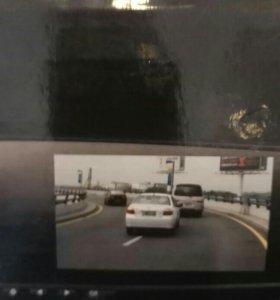 Зеркало-видеорегистратор