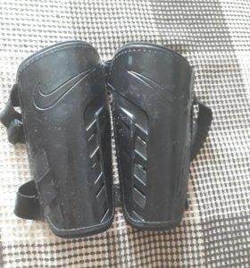 Щитки Nike original