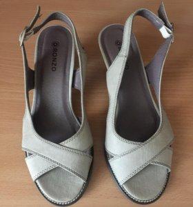 Туфли женские как новые