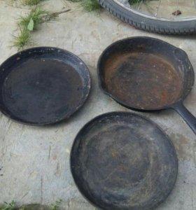 Чугунные сковороды.