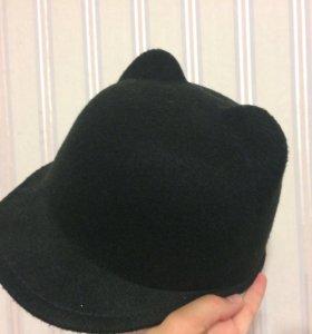 Фетровая шляпа-котелок с ушками и козырьком
