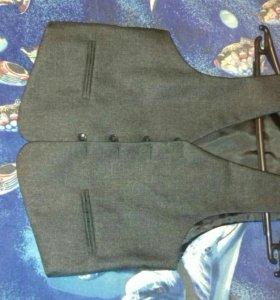 Детский пиджак и желет.