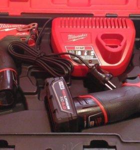 Набор аккумуляторных шуруповертов Милуоки M12