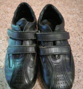 Ботинки на липучках