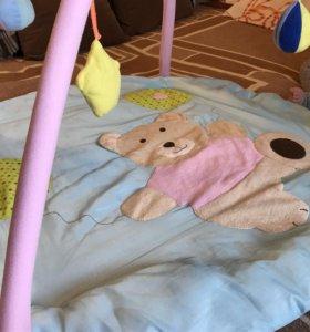 Развивающий коврик для новорожденных