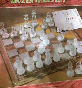 Шахматы, нарды, шашки стеклянные.