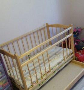 Кроватка +2 матраца