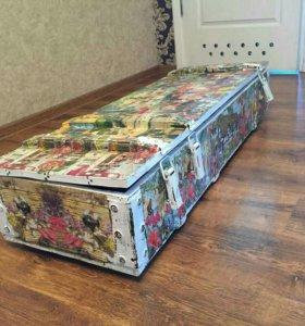 Ящик деревянный декорированный в технике декупаж