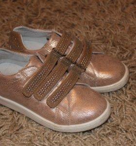 ботинки новые Лева