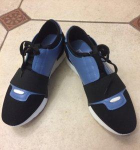 Спортивные туфли-кроссовки