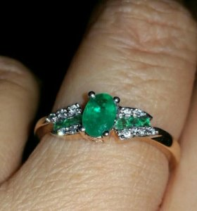 Золотое кольцо бриллианты/изумруд