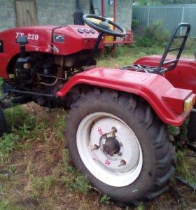 Трактор хт-220