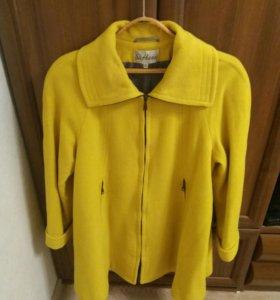 Абсолютно новое пальто