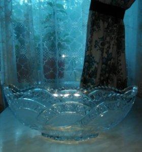 Хрустальная ваза BOHEMIA.Красивая.
