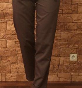 Новые брюки 44 размера