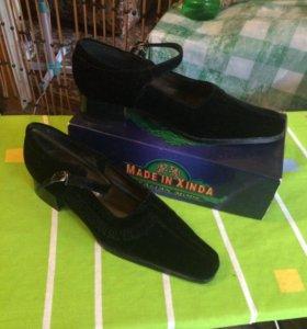 Туфли женские новые замшевые 37 размер