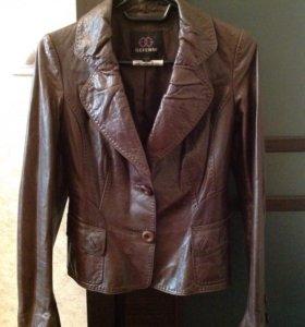 Пиджак кожаный M