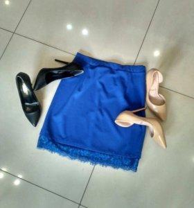 Юбка синяя с кружевом