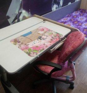 Продам ученический стол и кресло