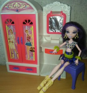 Шкаф для кукол+столик
