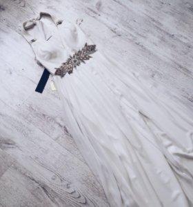 Новое белоснежное платье в пол, 44 -46размер