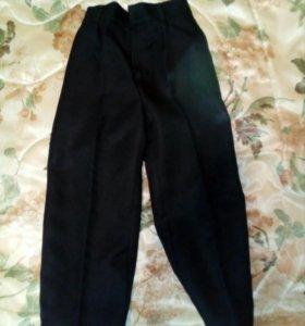 Праздничные брюки на мальчика рост 104.