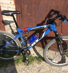 Продам велосипед GT