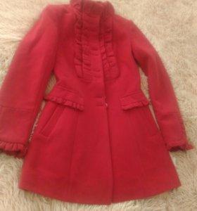 Пальто новое р 40-42