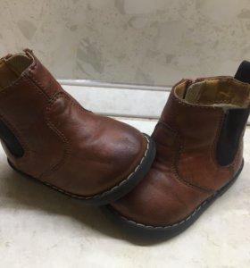 Ботиночки H&M.