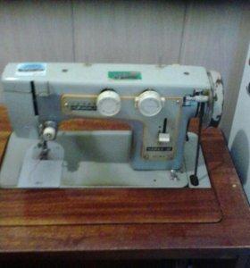 Швейная машинка Чайка-    кабинетная