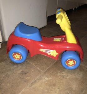 Детский четырёхколёсный велосипед