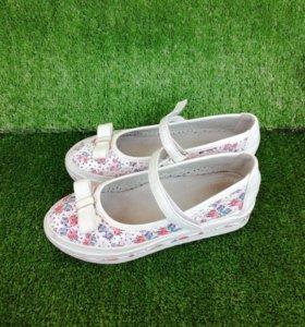 Туфли для девочки в сад или школу