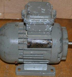 Электродвигатель АПН011-2. 3 фазы 50Вт 2690об