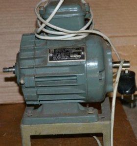 Электродвигатель АПН-11-2. 3 фазы 180Вт 2759 об.