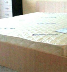 Кровать с матрасом 180х200