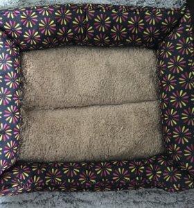 Коврик, подушка для кошек или котят