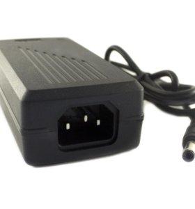 Блок питания 12V*5A 5,5*2,1-2,5 мм IEC-C14 TD-435