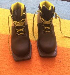 Лыжные ботики 35 р