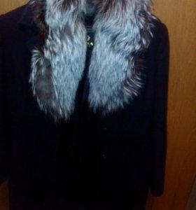 Зимнее пальто с мехом чернобурки