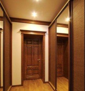 Шкаф -купе в коридор .