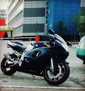 Suzuki GT RX 600