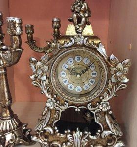 Часы для дома с подсвечниками
