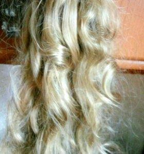 Пряди волос на типсах волнистые