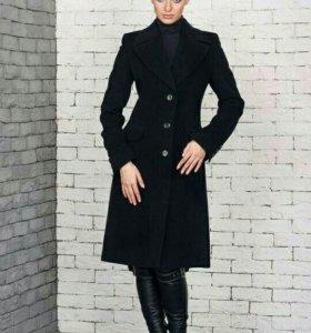 Продам пальто 40 -42
