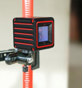 Крепление-зажим универсальное для камеры/нивелира