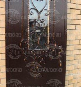 Входная дверь со стеклом премиум