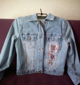 Джинсевая куртка