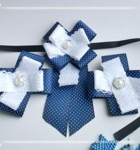Школьный галстук и бантики
