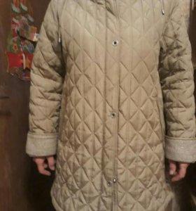 Куртка на подстежке 50 размер.