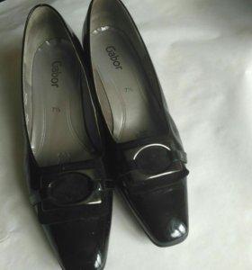 Туфли .Gabor. размер 7 1/2. Лаковые.